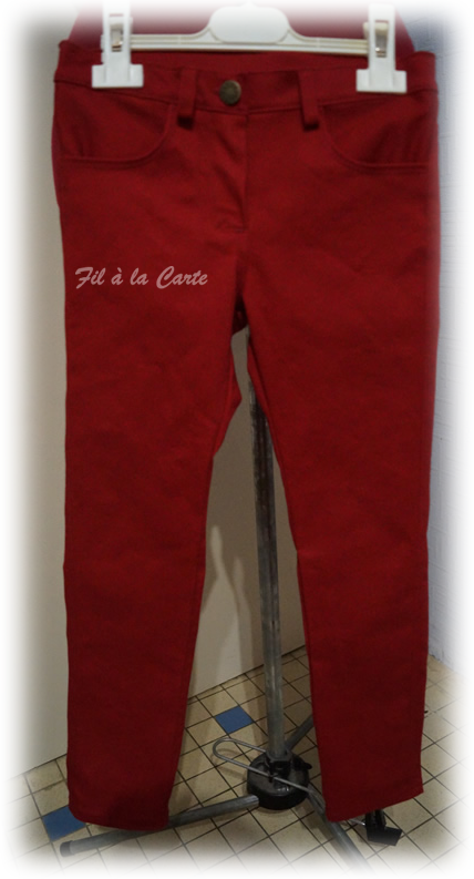 Jeans rouge 6a+